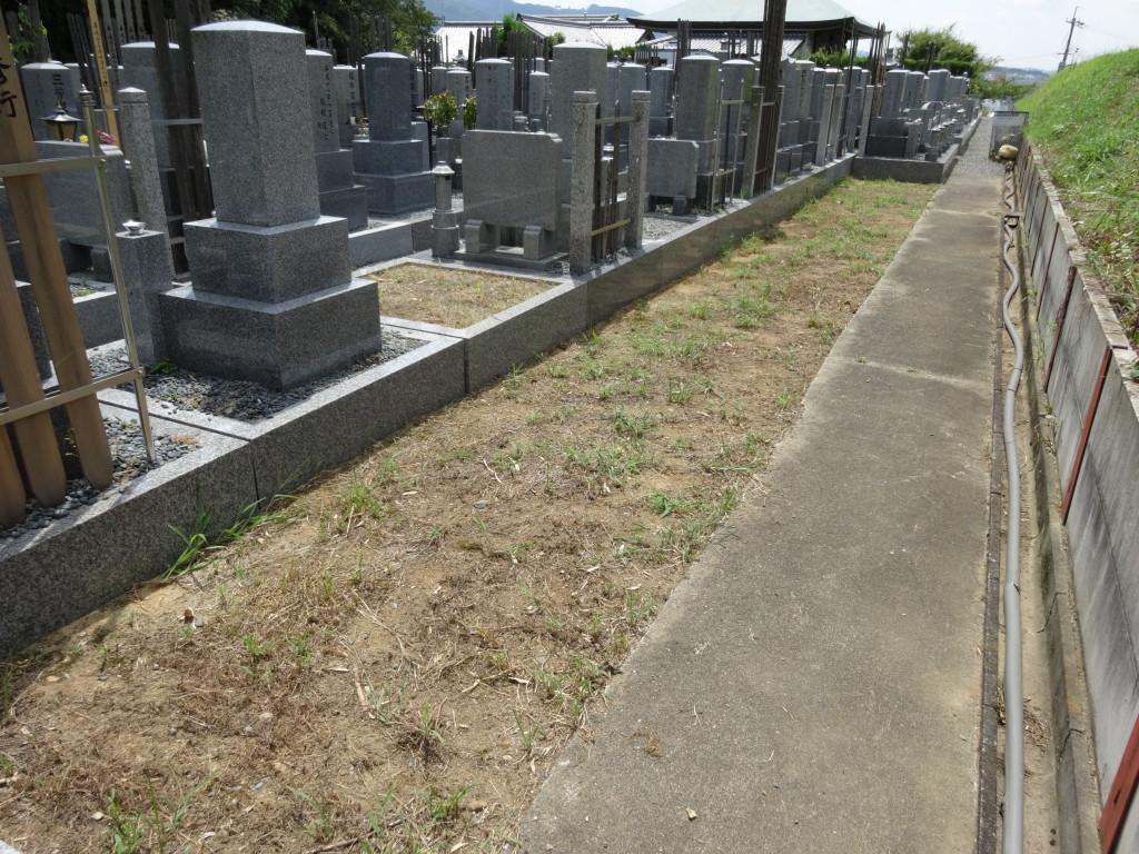 墓地は通路が広くお参りしやすいです