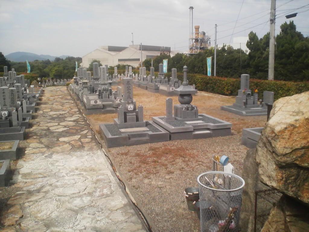 大きな区画の墓碑建立例