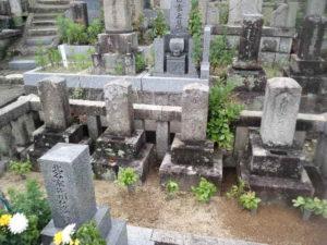 膳所烈士4名の墓